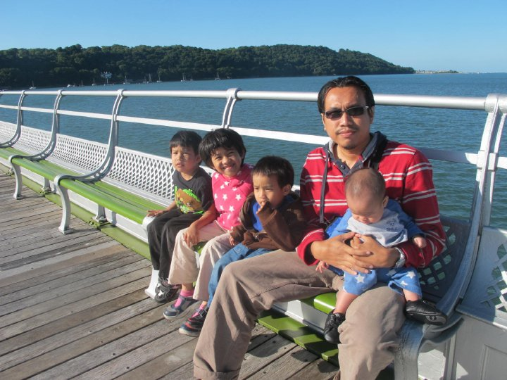 , Sebab gambar anak anak kami 4 orang dan abahnya amni anak yang baik