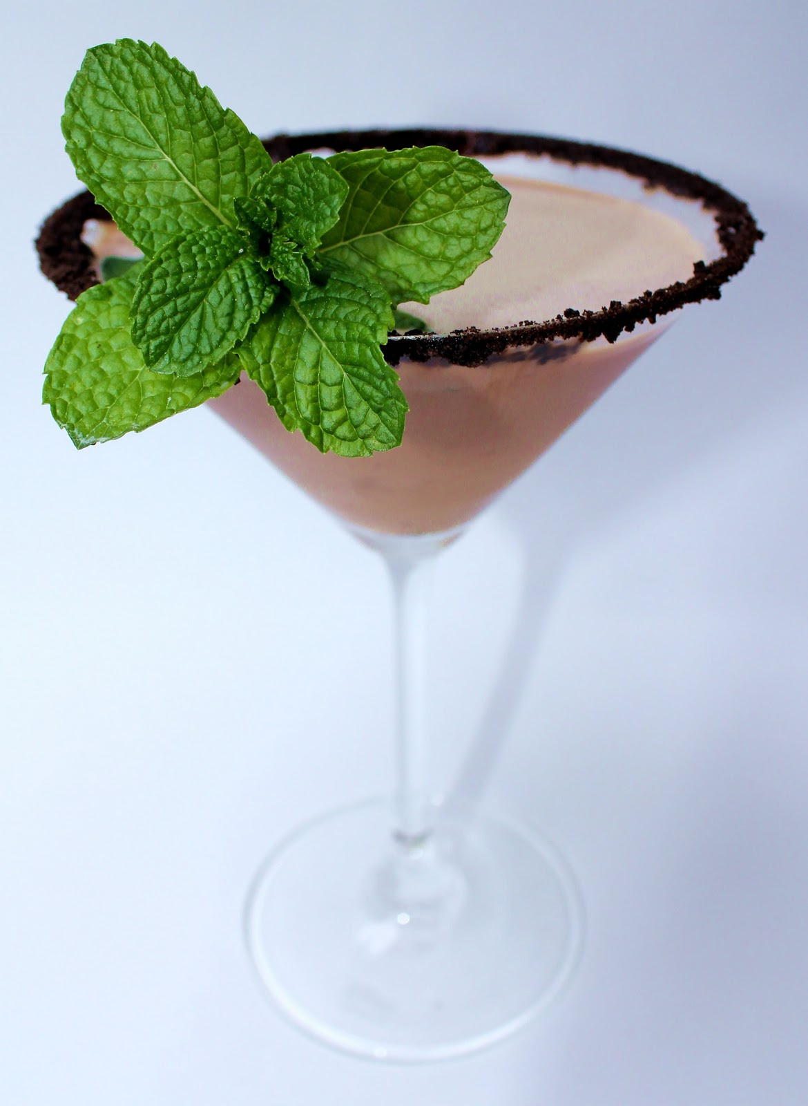 ... Thin Mint-tini? Why chocolate brown and mint green, of course