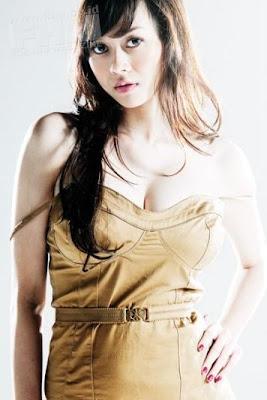 http://2.bp.blogspot.com/_hVHDkNqXXFU/SuETnQsBKmI/AAAAAAAAAH0/6Ij0R0Jxic8/s400/aura+kasih+hot...jpg