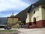 El frontis de la pequeña capilla