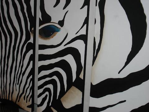 """triptico """"cebra"""". Cuadro minimalista pintado con oleo y acrilico sobre tres bastidores de lienzo."""