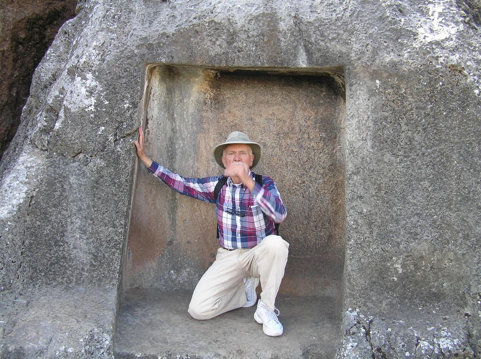http://2.bp.blogspot.com/_hXwMKiq11iw/TDTwUCR0JLI/AAAAAAAACEU/6Qoqv_GocrY/s1600/hmansacrafice.JPG