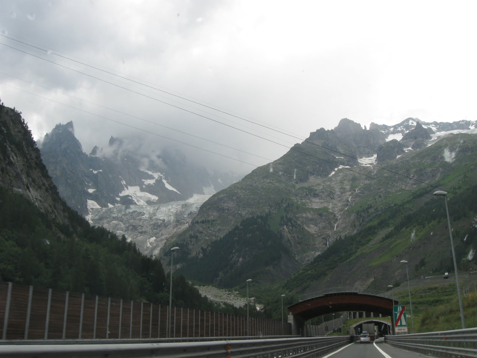 famiglia tranquillo road trip part 1 aosta and mont blanc tunnel. Black Bedroom Furniture Sets. Home Design Ideas