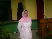 DR. Lucky Herawati SKM, MSc Direktur Poltekkes DEPKES Yogyakarta