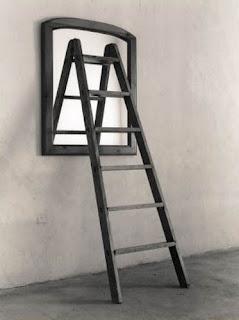 espejo y escalera