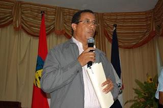 Candidato PRD presenta agenda  legislativa  y embarazadas  reciben canastillas