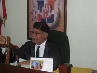 Juez ordena prisión a director canal tv en Hato Mayor por una tumba de mangos