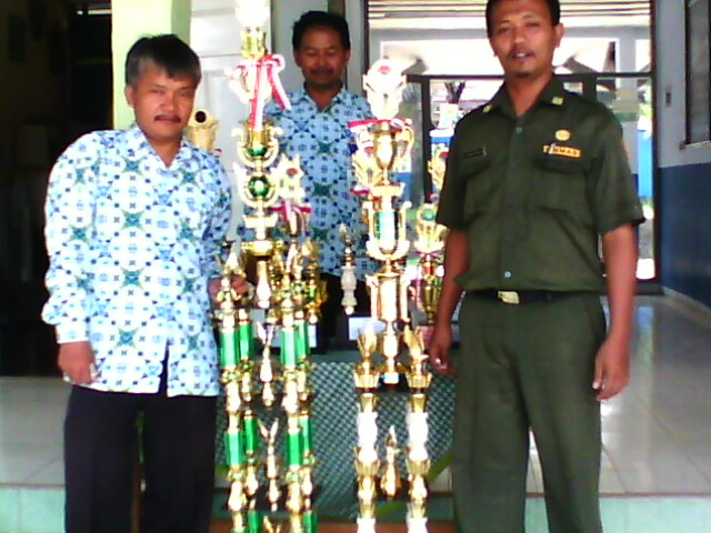 SMP N 1 KARANGTANJUNG, JUARA UMUM LKBB SE-BANTEN 2010