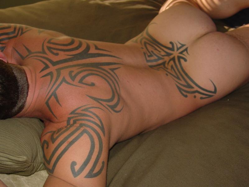 contra de los tatuajes. Me hago un tatuaje? Os gusta en las lumbares? A favor o en contra?