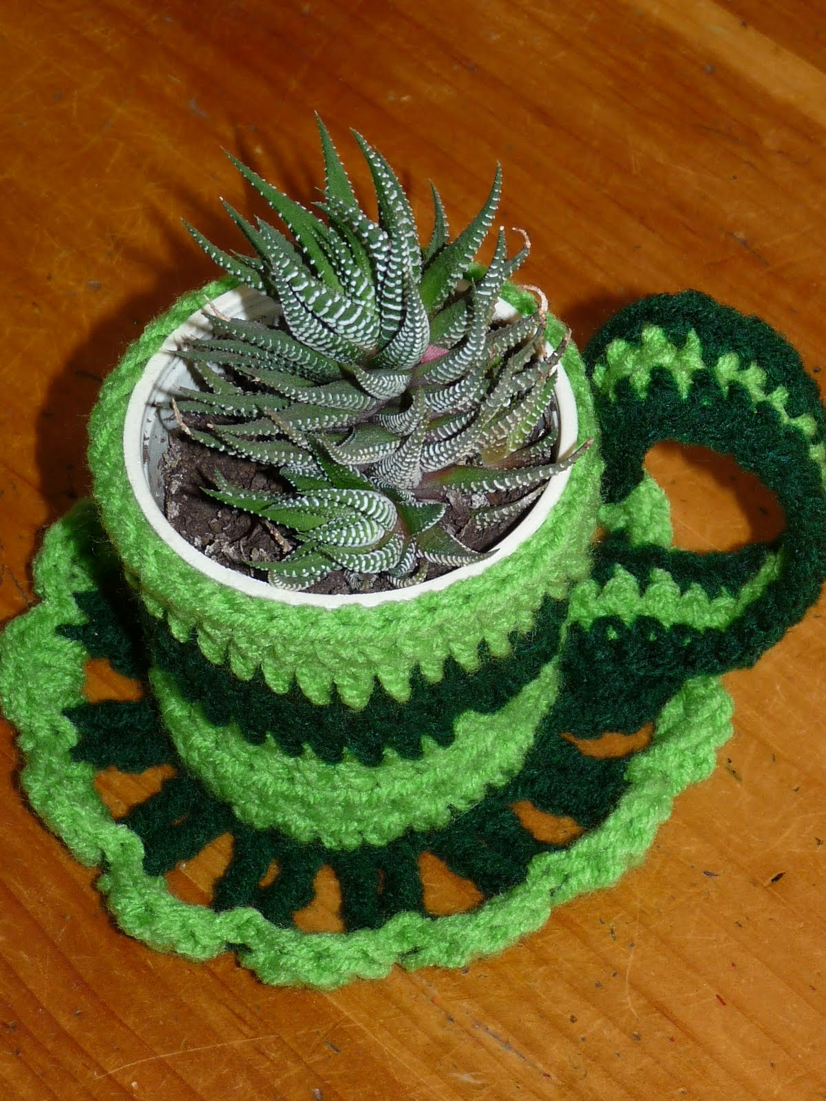 Free Crocheted Tea Cups, Tea Cups Crochet Doily Pattern -