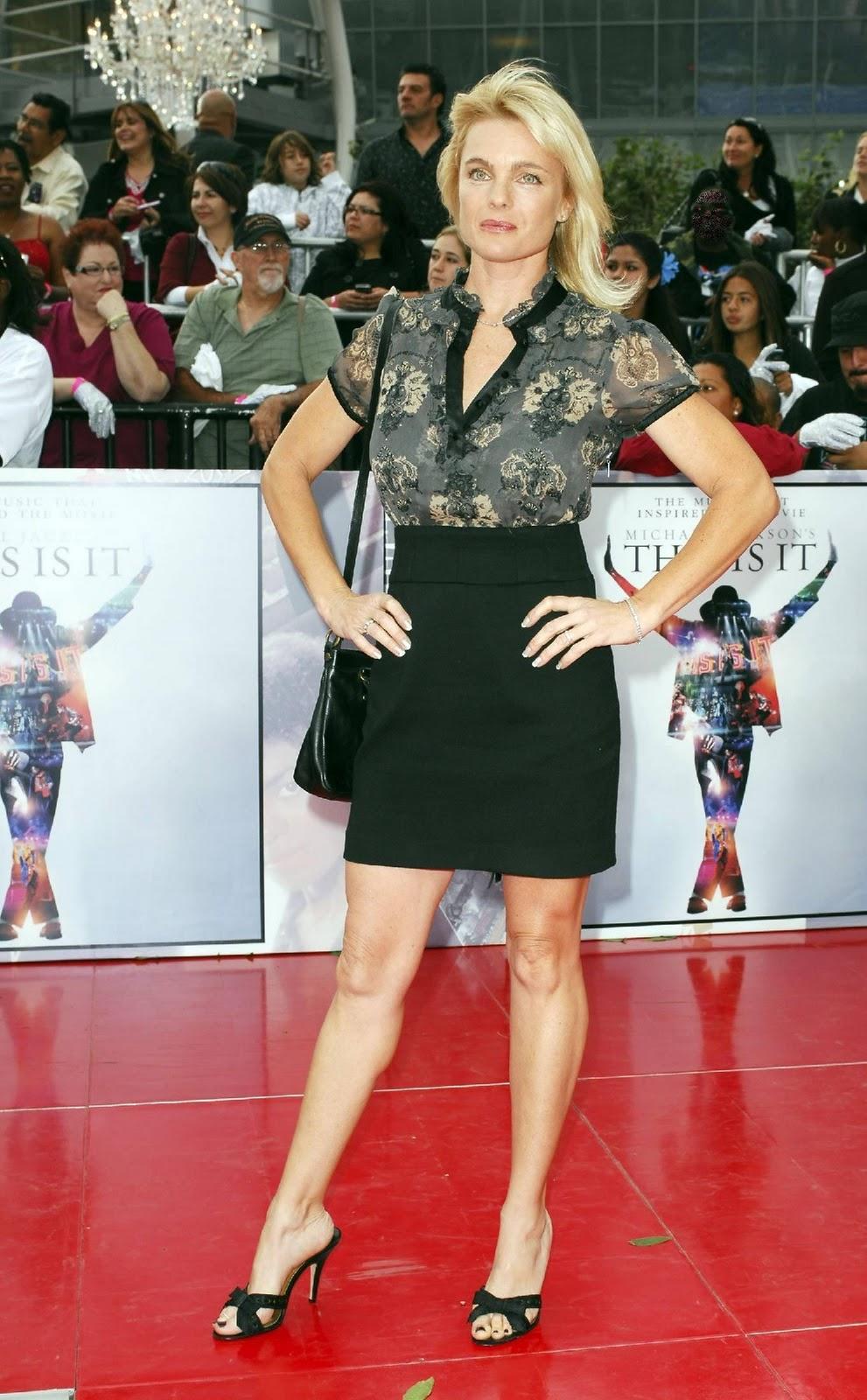 http://2.bp.blogspot.com/_hgdlBJDRZkM/TRtOeB8csBI/AAAAAAAAD_c/q8gEwH0alGM/s1600/Erika-Eleniak-Feet-217942.jpg