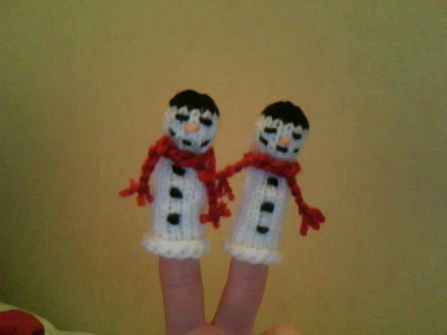 In It To Kouture It Snowman Finger Puppet Free Pattern