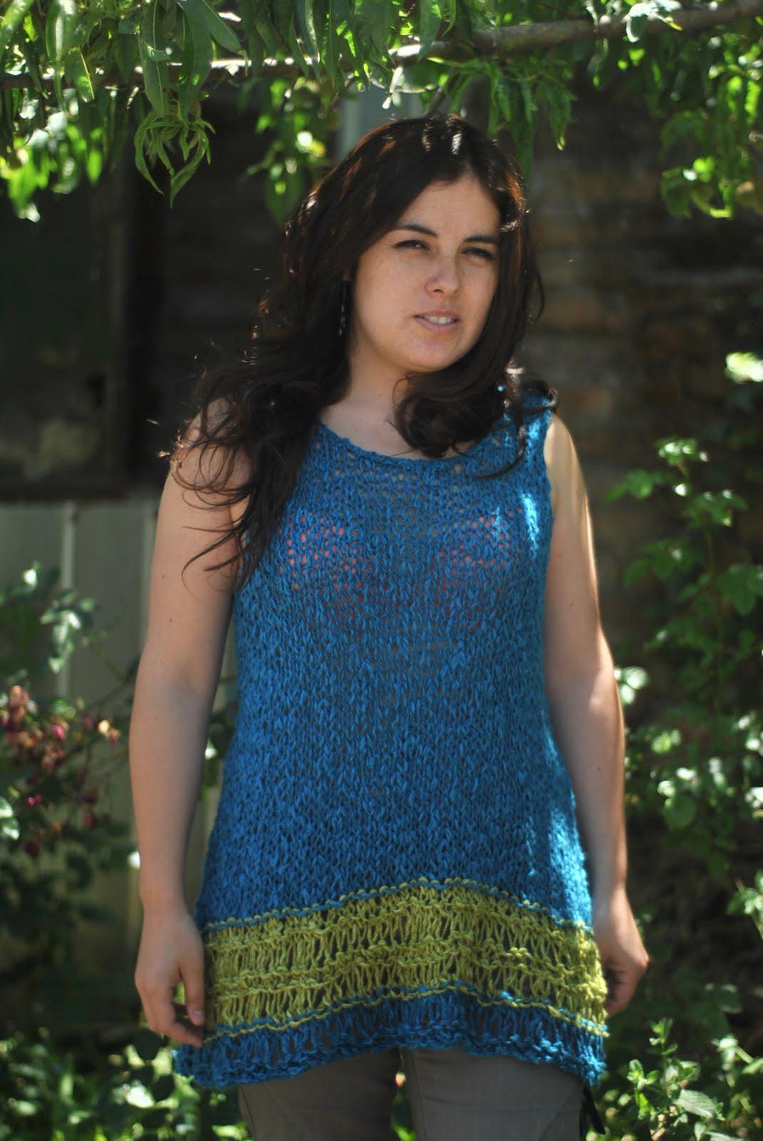 Polera tejida a crochet con hilo, de muchos colores, combinador