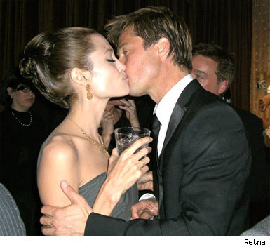 Angelina Jolie and Brad Pitt Agree To Split Up