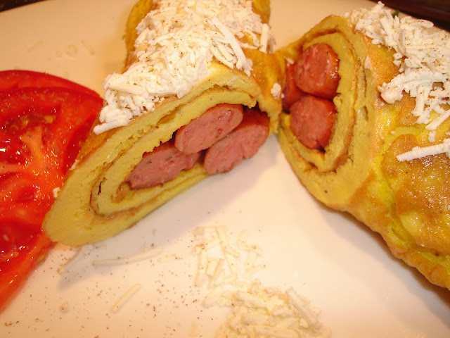 Articole culinare : Omleta cu carnaciori