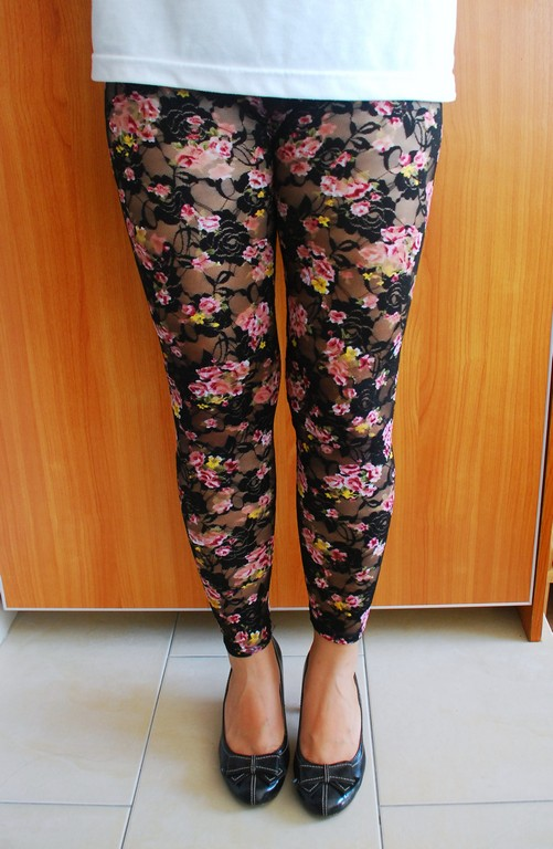 House of Leggings: Lacey Footless Floral Leggings I