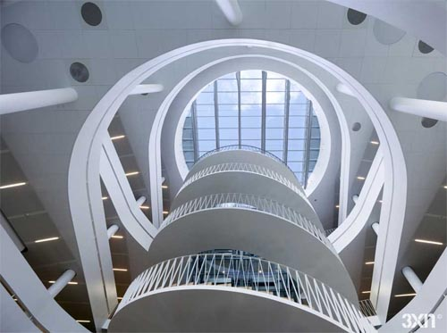 Interior view of Saxo Bank in Copenhagen by 3XN Architects