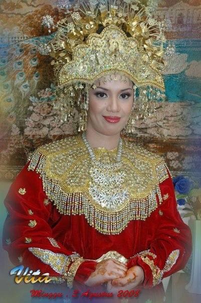 Artistic Indonesian Wedding Gown