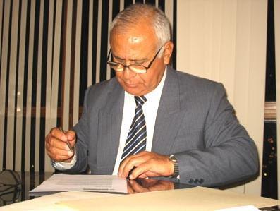 Las fuerzas del orden ffaa y pnp insolito ascenso por for Ex ministro del interior