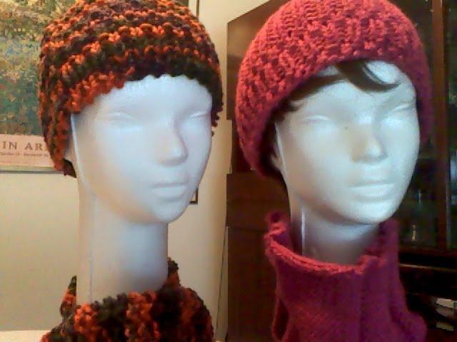 de la derecha de color fucsia con cuello tejido y el de la izquierda