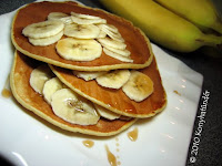banana-maple-pancakes