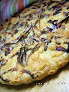 onion-and-cheese-focaccia