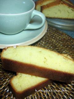 Madeira-cake-slice