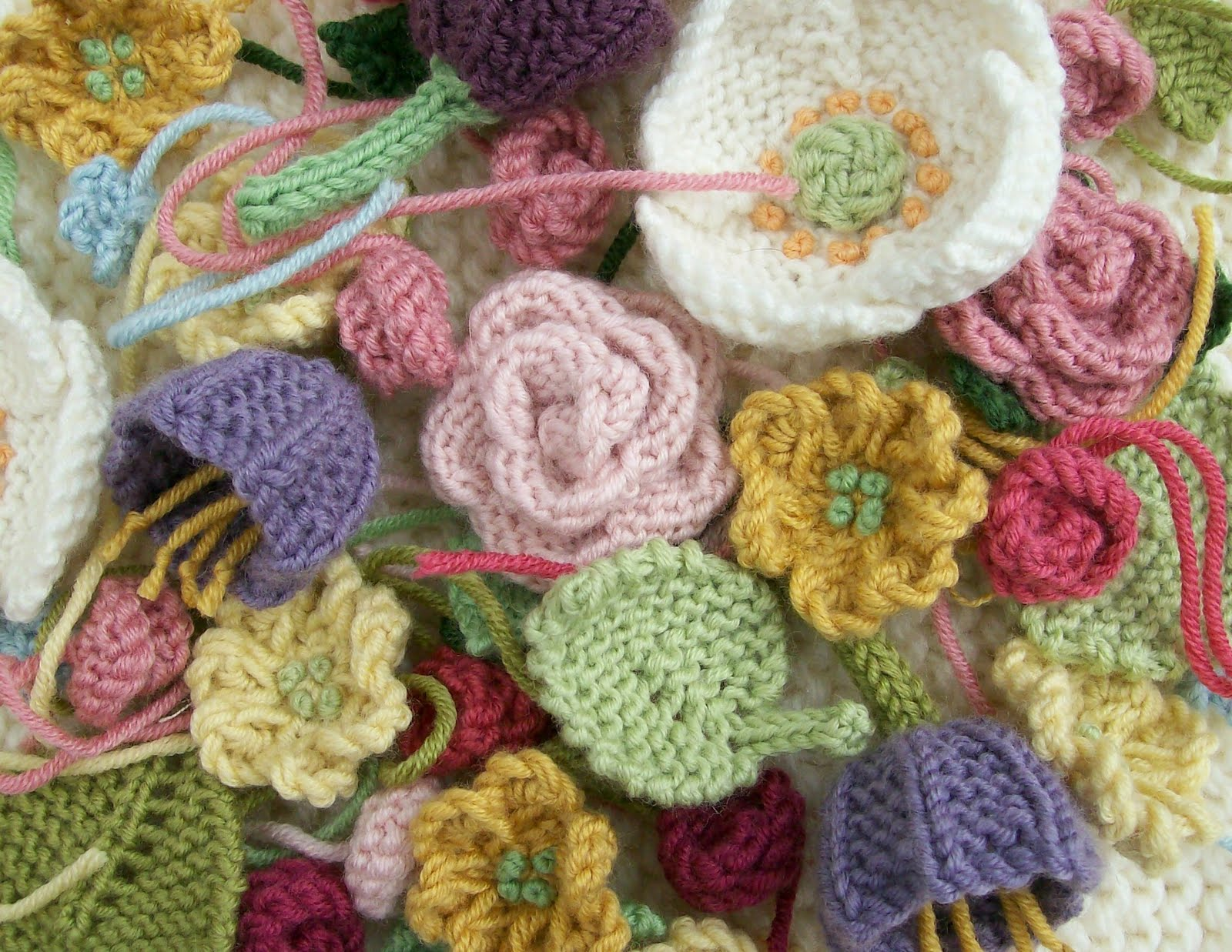 Small Flower Knitting Pattern : Knot Garden