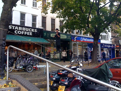 busker-angel-islington-violin-london