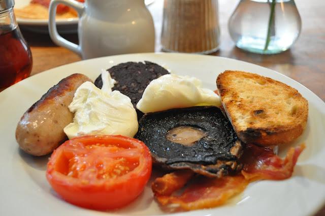 The+Ambassador+review+Exmouth+Market+big+breakfast
