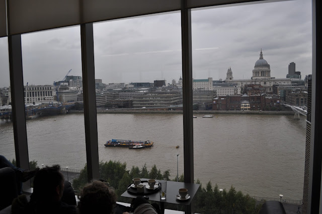 East+Room+Tate+Modern+best+view+in+London+full+view