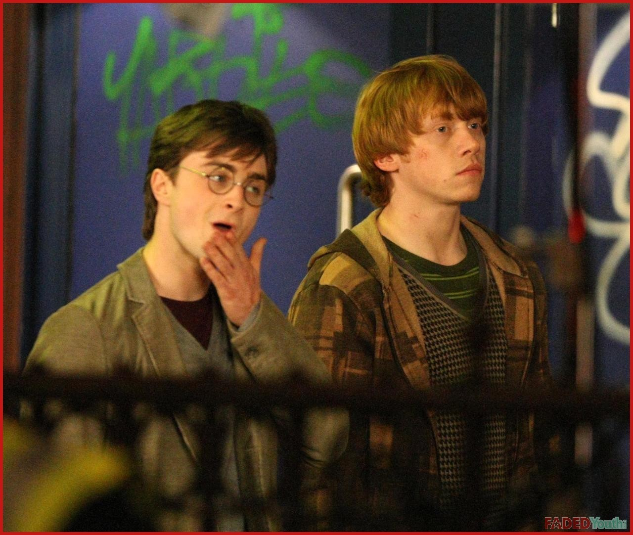 http://2.bp.blogspot.com/_hppJUyZhTnk/SwrO1Z_YkaI/AAAAAAAAAzQ/MZHIZDDy-Gc/s1600/Deathly-Hallows-movie-filming-in-London-harry-potter-5733023-1280-1082.jpg