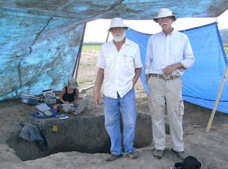 Archaeologist John Connaway and Dr.Jay Johnson at the Carson Mound Site in Mississippi
