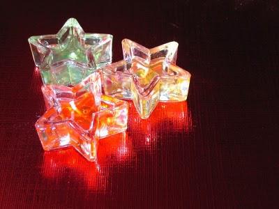 Svijetleće zvijezde kao ukras za Božić slike pozadine za desktop e-cards free download čestitke Christmas
