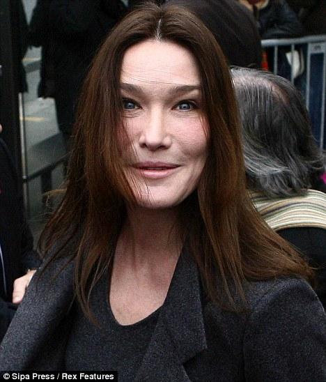 Carla Bruni vieillit