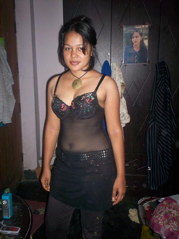 Quite Hot naked sexy nepali