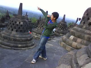 Borobudur aku disini