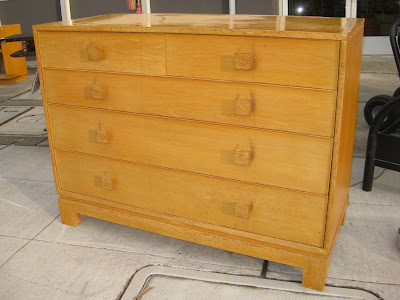 1950s Bedroom Set http://uhurufurniture.blogspot.com/2009/12/1950s-bedroom-set.html