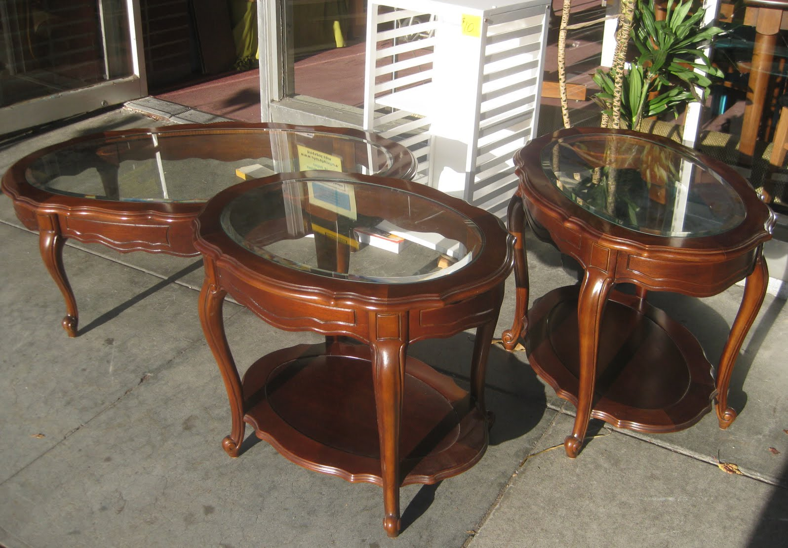 FURNITURE COLLECTIBLES SOLD End Table Coffee Table Set 175
