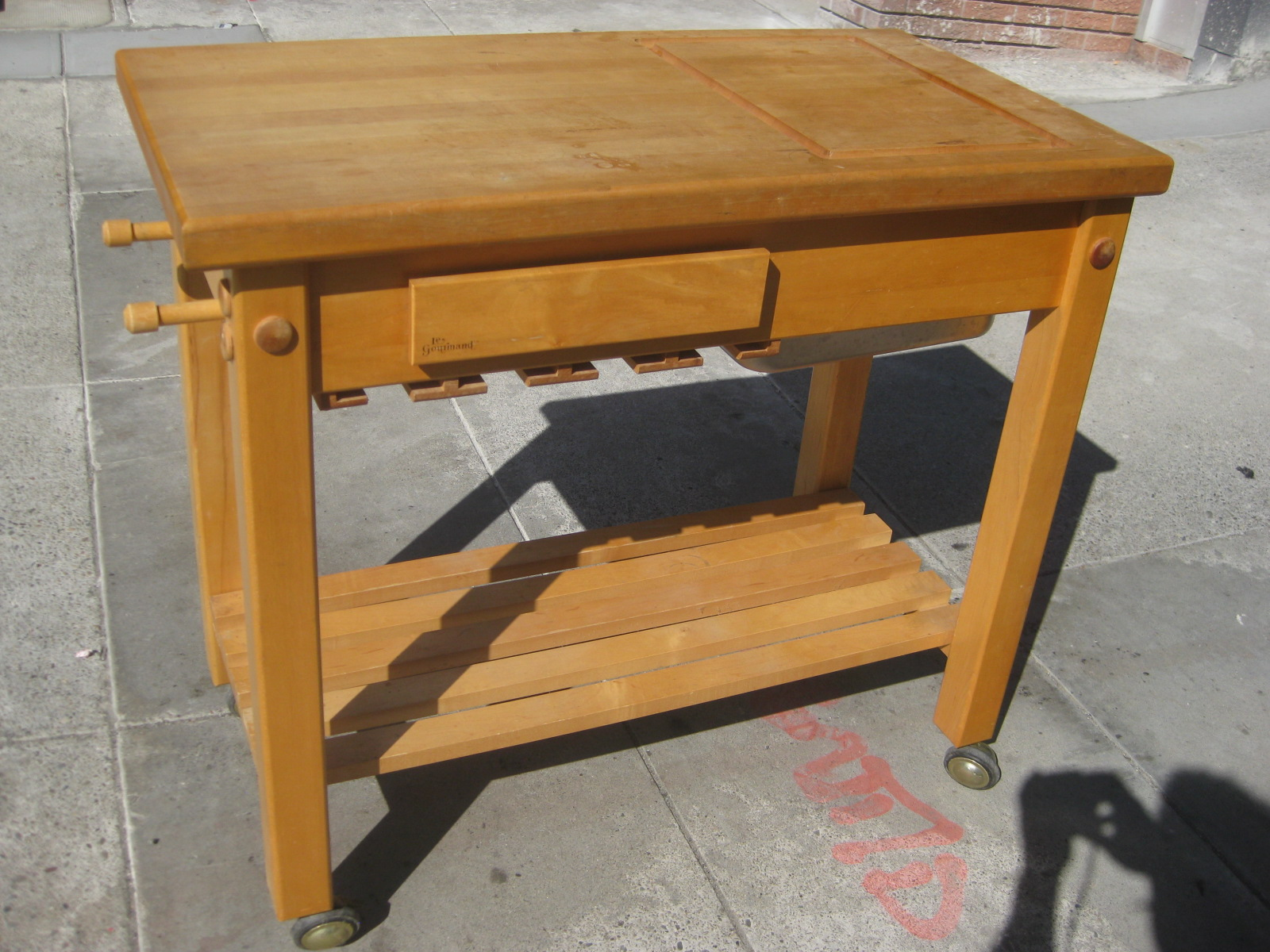 uhuru furniture collectibles sold le gourmand chef s