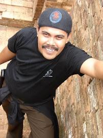 Mendaki Puncak Candi Muaro Jambi