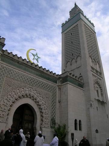 gerbang masjid perancis