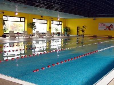 Straker enemy cloro e bromo i rischi in piscina for Cloro nelle piscine