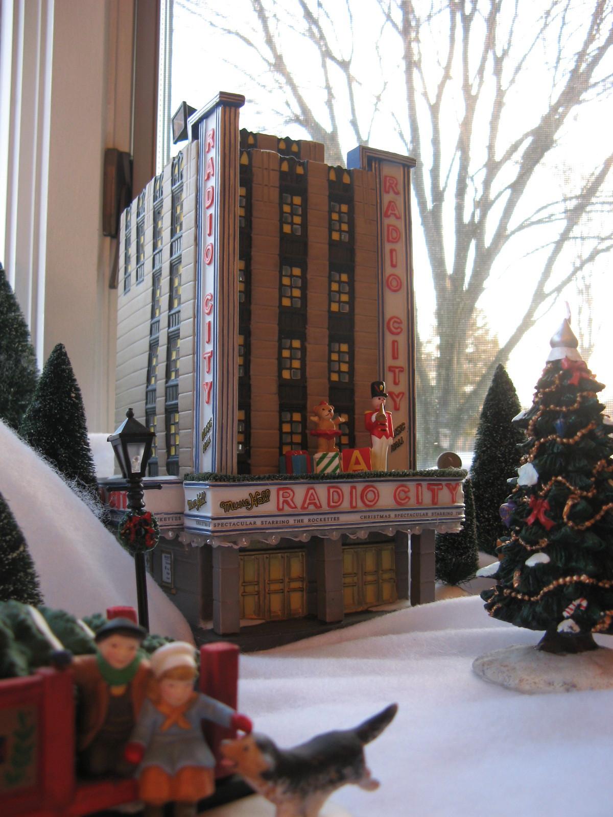 http://2.bp.blogspot.com/_hyuvPPBBD18/SxUTYijQO-I/AAAAAAAAC9k/XaOSU63K7eA/s1600/Christmas%25252Bvillage%25252B09%25252B4.jpg