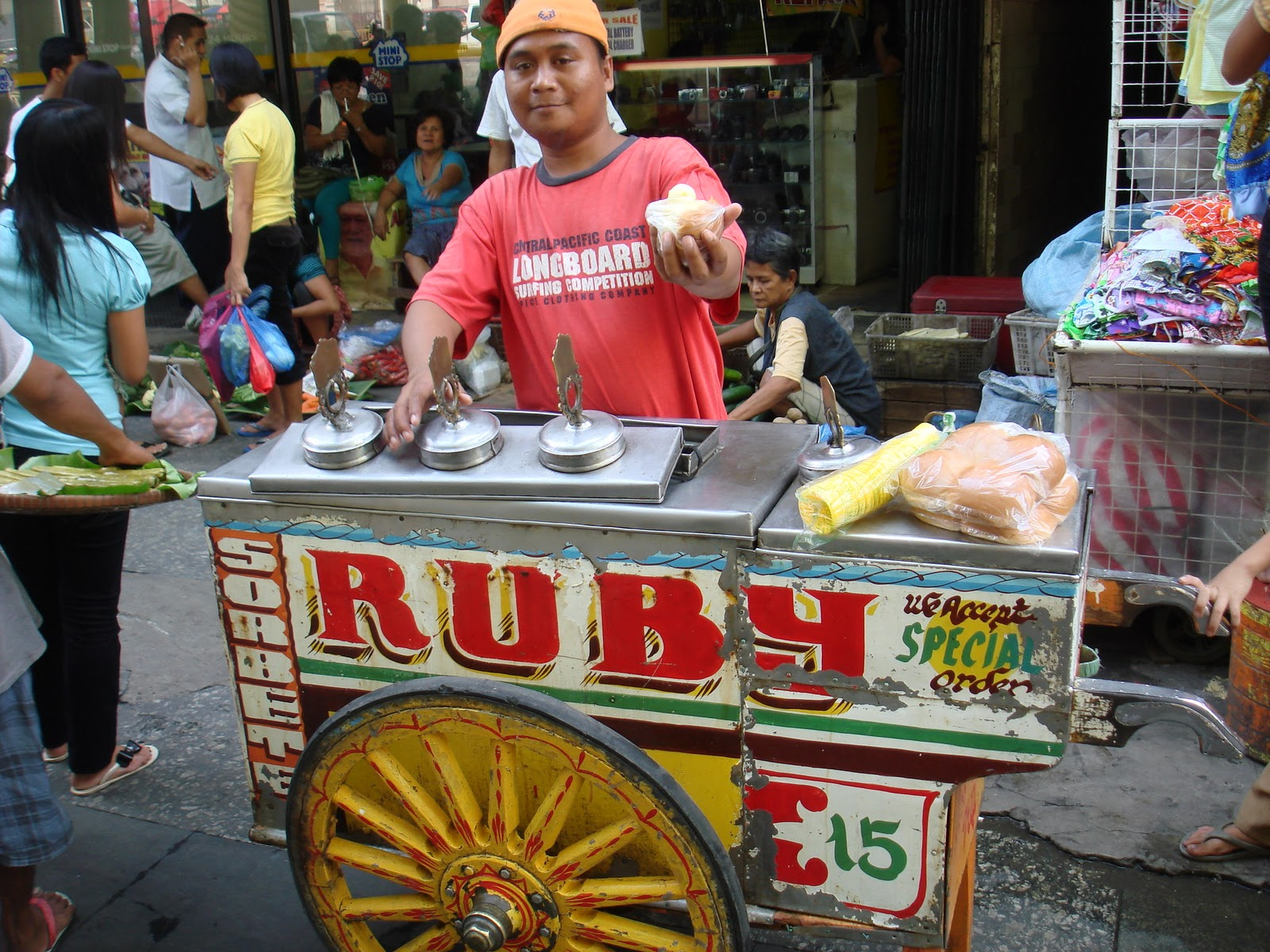 street foods in the philippines Cooked with ginger and sometimes garnished with a hard-boiled egg, toasted garlic and green onions, this filipino food is sold in street-side stalls no trip to the philippines would be complete without sampling its famous balut vendors peddling these eggs on the street chant baluuuuut.