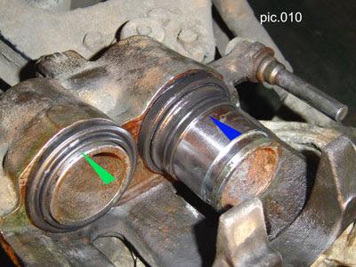 Замена пыльника поршня переднего суппорта sorento