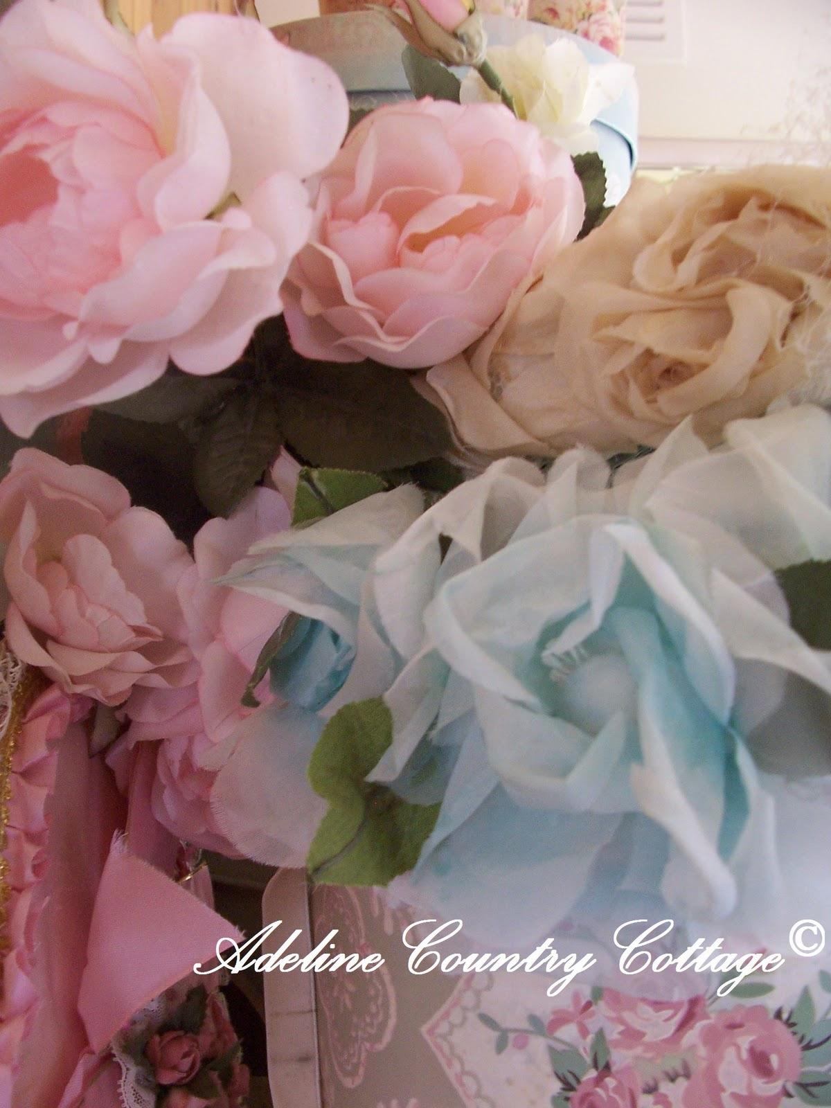 http://2.bp.blogspot.com/_i18Yajy0grc/TH5xBozCtrI/AAAAAAAABC8/1S1IRh_Hpy8/s1600/vintage+flower+millinery+hats+1.jpg