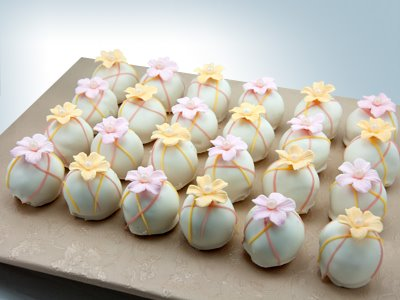 Flower Cake Balls : Tanya`s Sweets and Treats: cake balls