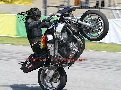 motorbike jump style show off