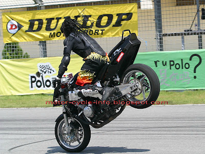 motorcycles show off - use front brake for standing style